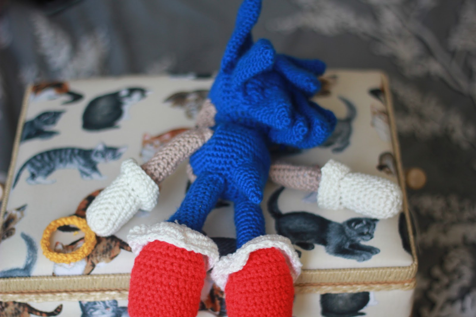 A Hat Full of Wool: Sonic the Hedgehog