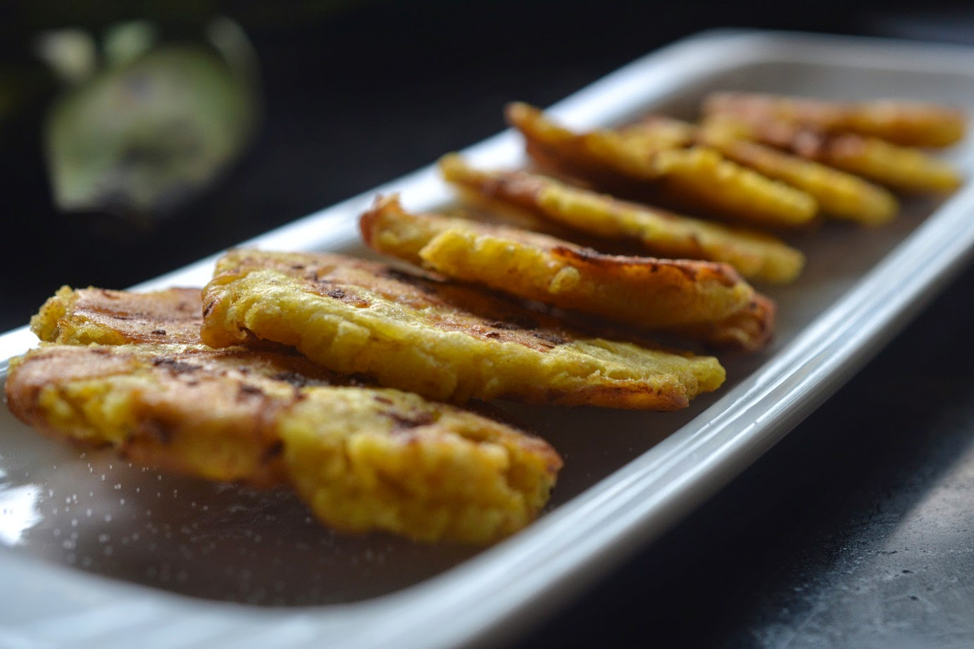 Greedy Girl : Fried Green Plantains
