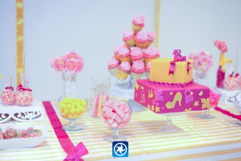Fê Baraldi Aniversário De 18 Anos Tema Cupcake
