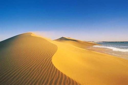 Dunas en playa uruguaya