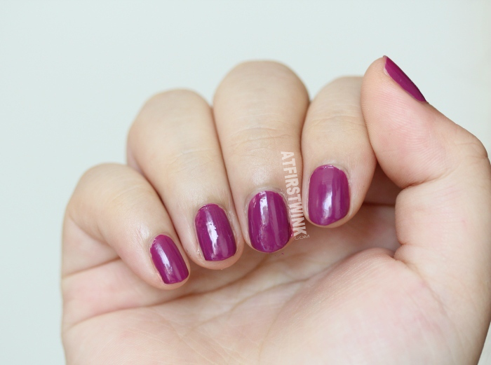 Dior vernis 338 Mirage swatch from far