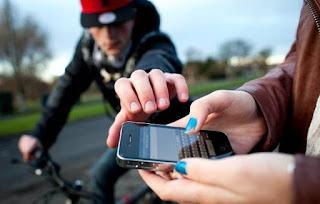 Capitais brasileiras têm média de um celular roubado por minuto