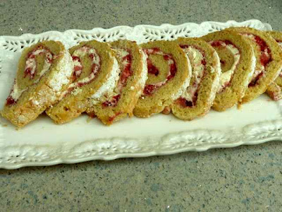 Gluten Free Baking Bear: GLUTEN FREE JELLY ROLL CAKE WITH STRAWBERRY ...