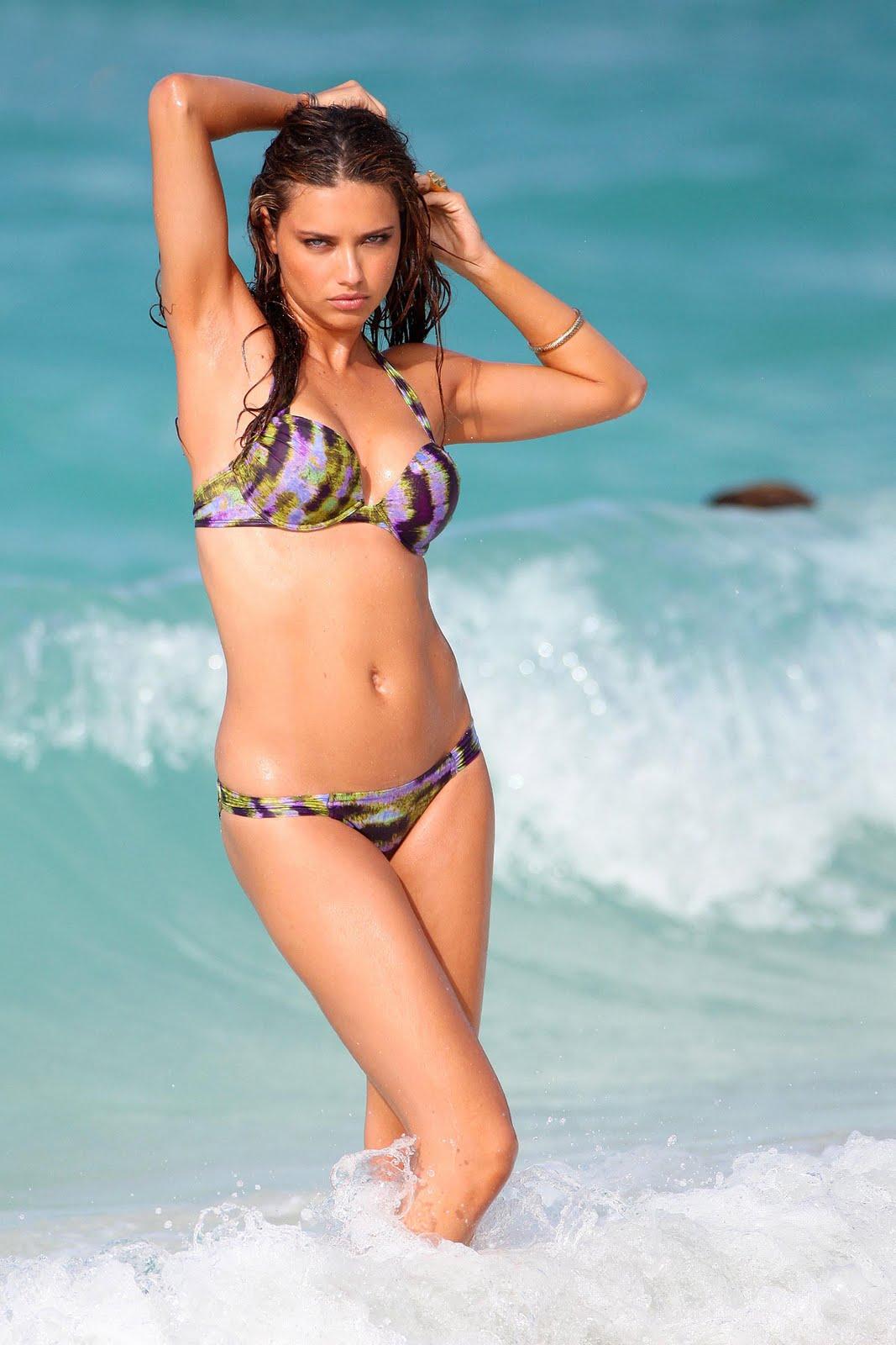 http://3.bp.blogspot.com/-B_3dI469hBg/UJtUWYoJGrI/AAAAAAAAFq8/wXPCKXRQ4pk/s1600/Adriana+Lima+(12).jpg