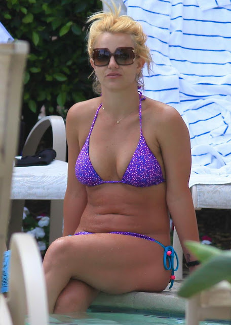 Britney Spears - Interesting details and hot photo gallery