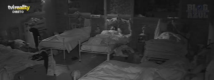 "Rúben da Cruz ""m#sturba-se"" na cama (vídeo)"