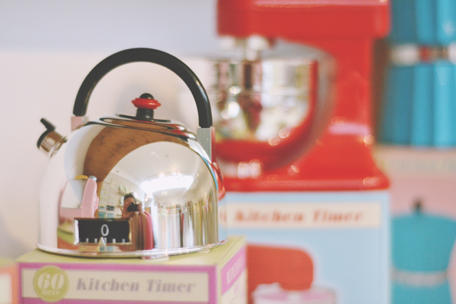 Kettle-shaped kitchen timer