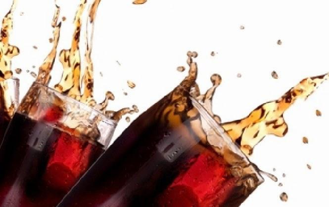 Sering Minum Soda Bisa Meningkatkan Resiko 3 Penyakit Ini!