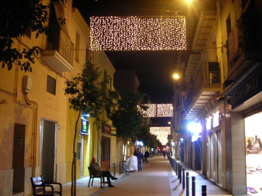 ともこの地中海あっちこっち: 街はクリスマス色に ともこの地中海あっち...  街はクリスマス色