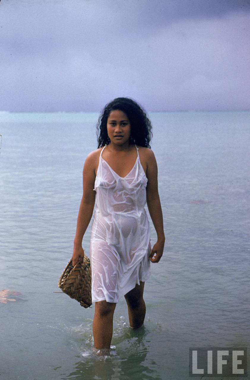 pictures of naked samoan women