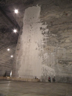 Water infiltrations on Unirea Salt Mine's walls