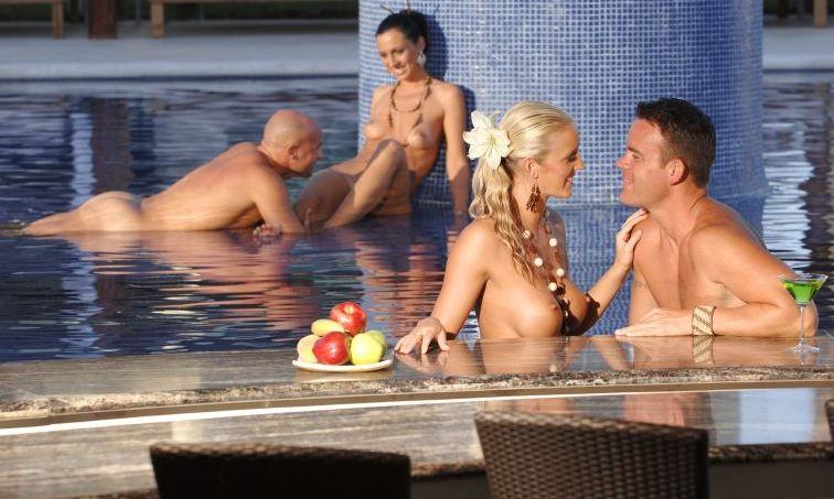 Секс туризм для свингеров, милашку на двоих