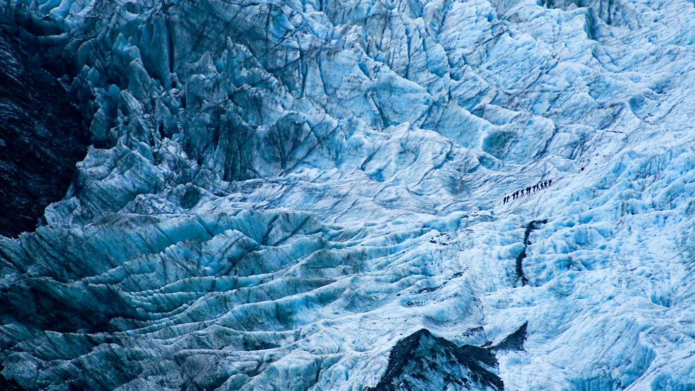 Hikers on Franz Josef Glacier, New Zealand (© Keri Oberly/Aurora Photos) 513