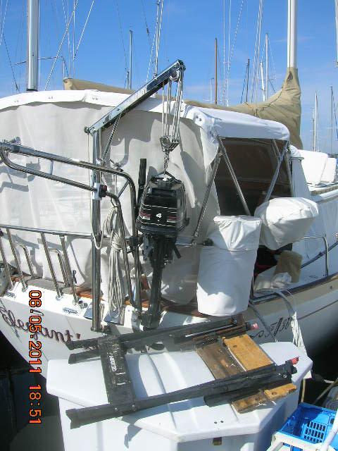 Chip Debbie Willis On Sv Elegant 39 Sea Outboard Motor