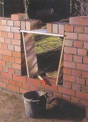El maestro de obras xavier valderas construir un muro de - Dinteles de madera ...