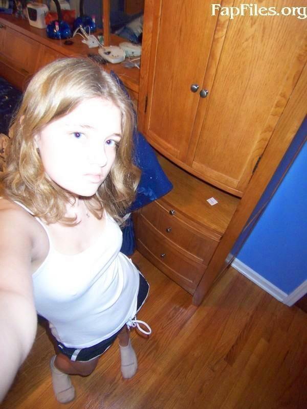 White teen selfshot naked girl sex