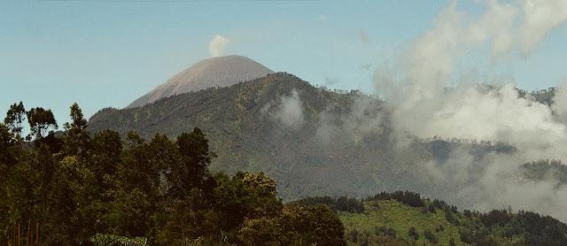 semeru volcano