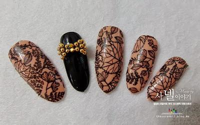 Autumn Leaves Nail Art