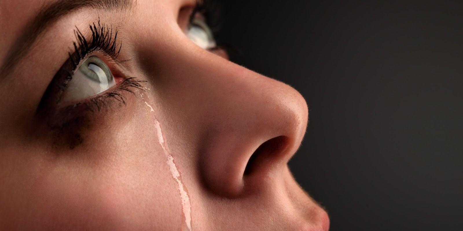 Resultado de imagem para chorando mulher
