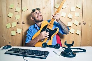 Можно ли быть счастливым на работе? О трех обязательных компонентах профессионального счастья