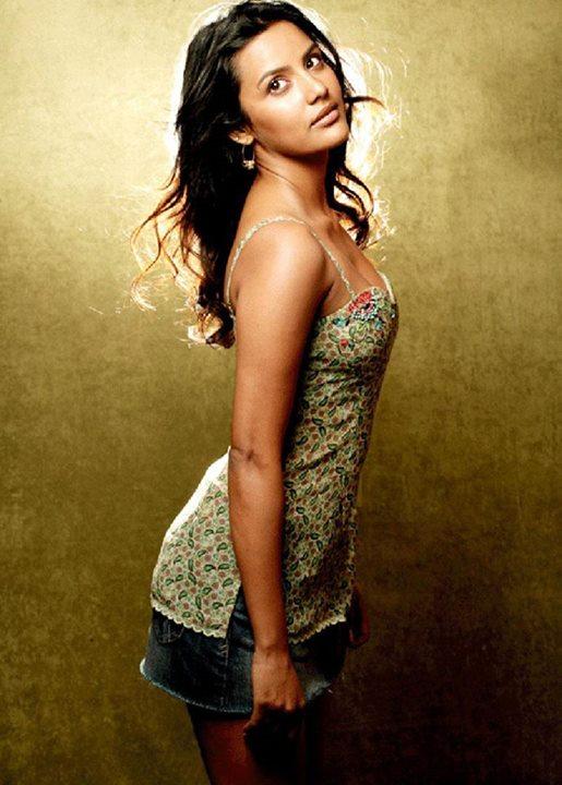 Indian Stunning Actress: Hot Priya Anand Stunning N sexy latest Pics