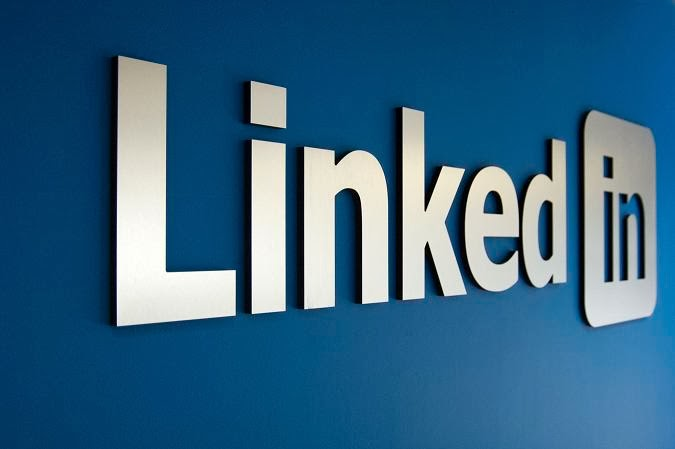 """LinkedIn Introduces """"People You May Know"""" Feature"""