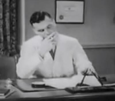 Propaganda dos Cigarros Camel feita por médicos em 1944 nos Estados Unidos.