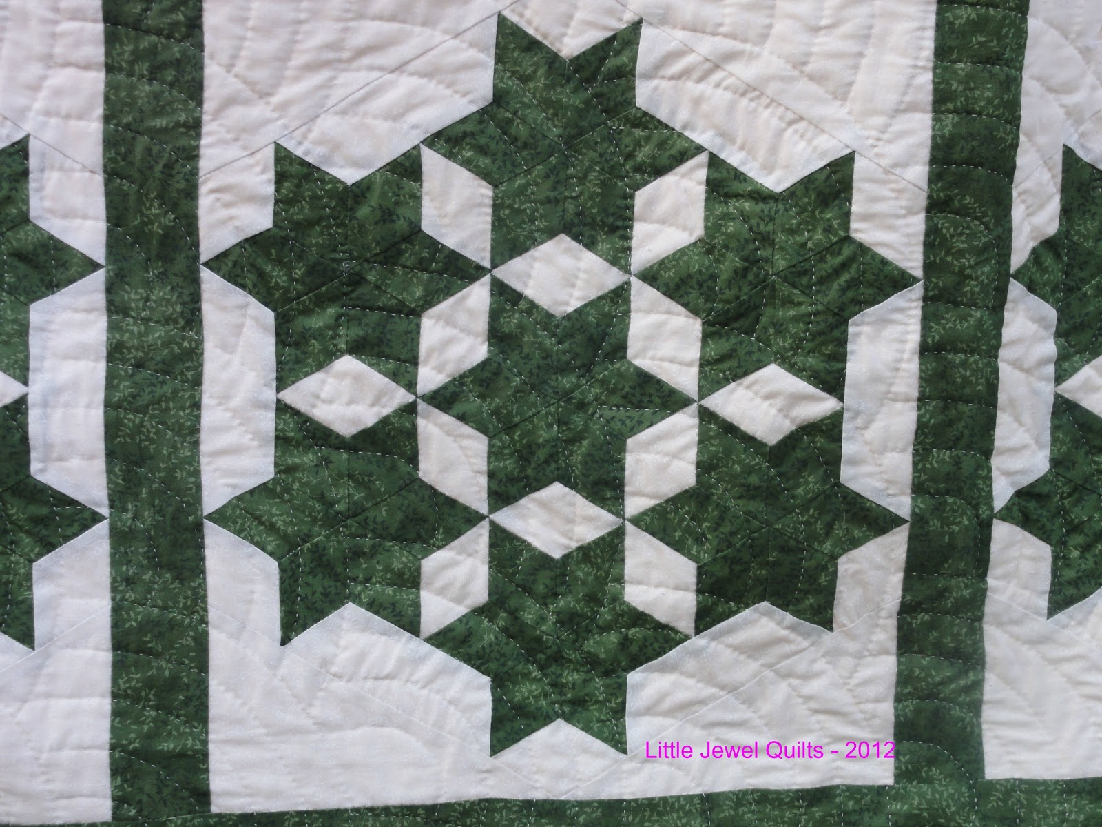 Little Jewel Quilts: Green Seven Sisters Quilt