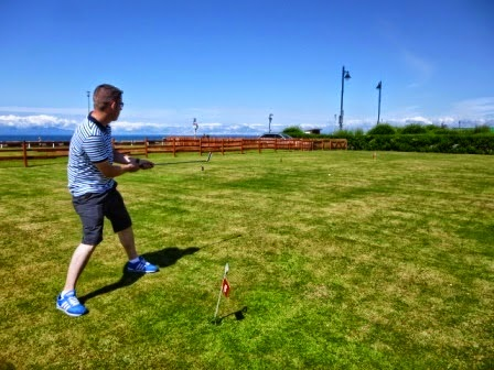 Minigolfer Richard Gottfried playing the Mini Golf Grass Putting Green in Ayr, Scotland