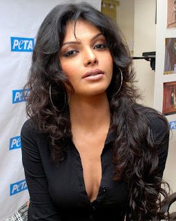 Sherlyn Chopra Super Hot Bollywood Babe
