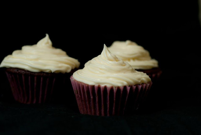 red, velvet, cupcakes, recipe, food, blog, blogger, baking, frosting, cream, cheese