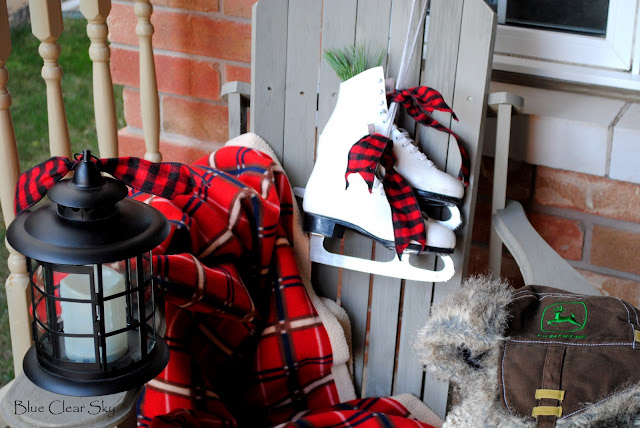 Rustic maple christmas on our front porch 2011 - Deco de noel originale ...