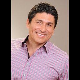 Dr César Lozano