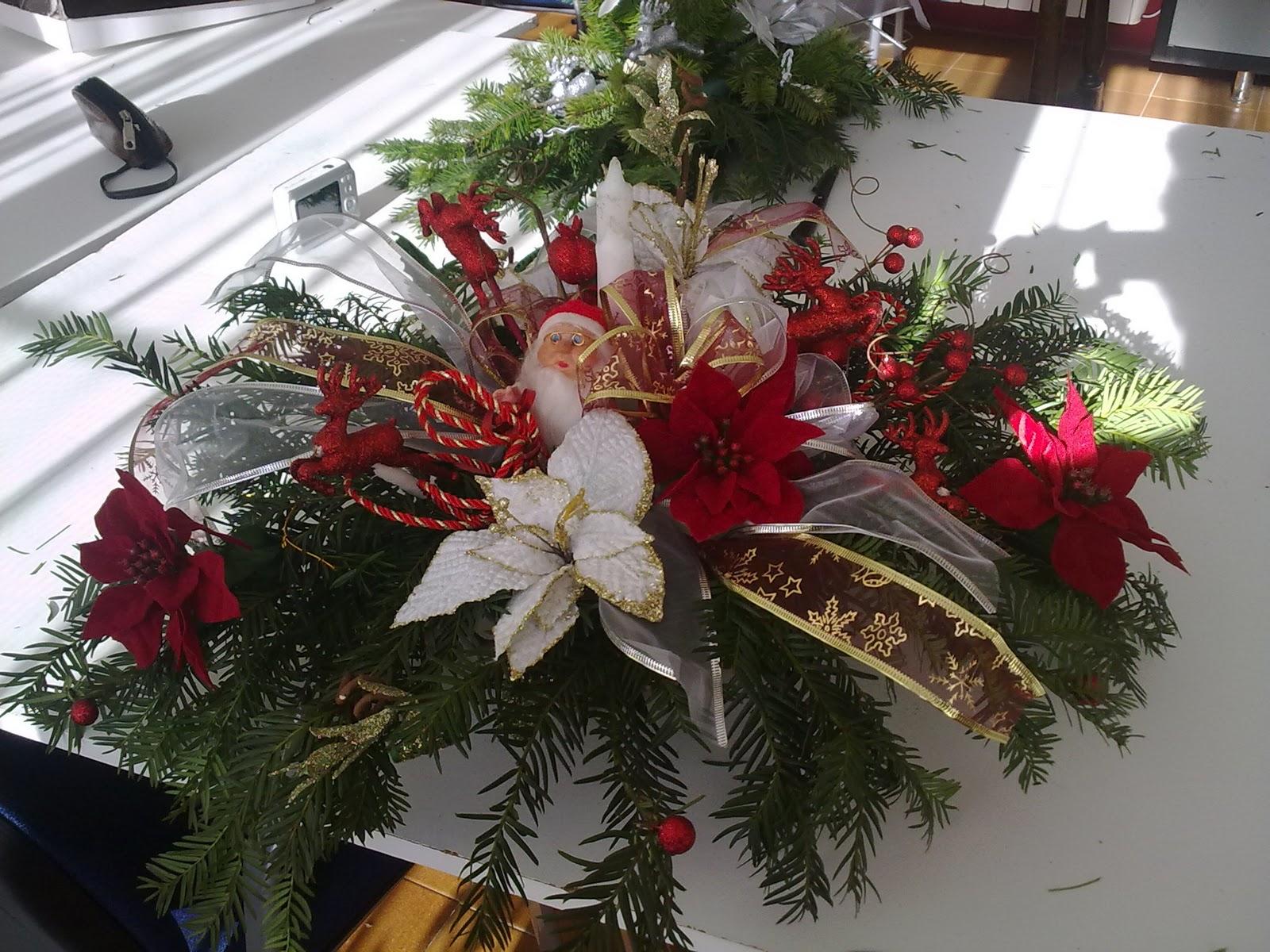 Susurros despistados taller centros navidad for Centros de mesa navidenos elegantes