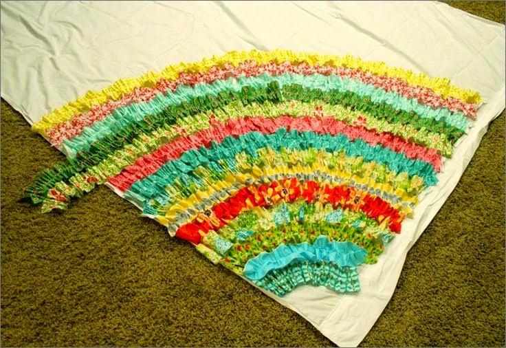 Украшаем покрывало для детской комнаты Decorate blanket for a child's room