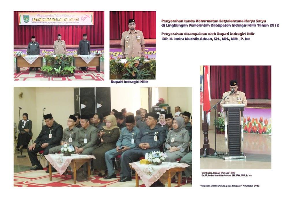 Penyerahan Tanda Kehormatan Anugerah Satyalancana Karya Satya 2012