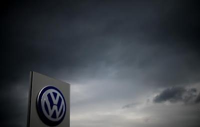 Νέα τροπή στο σκάνδαλο VW από τους Financial Times: Έγγραφο δείχνει ότι η Κομισιόν γνώριζε από το 2013