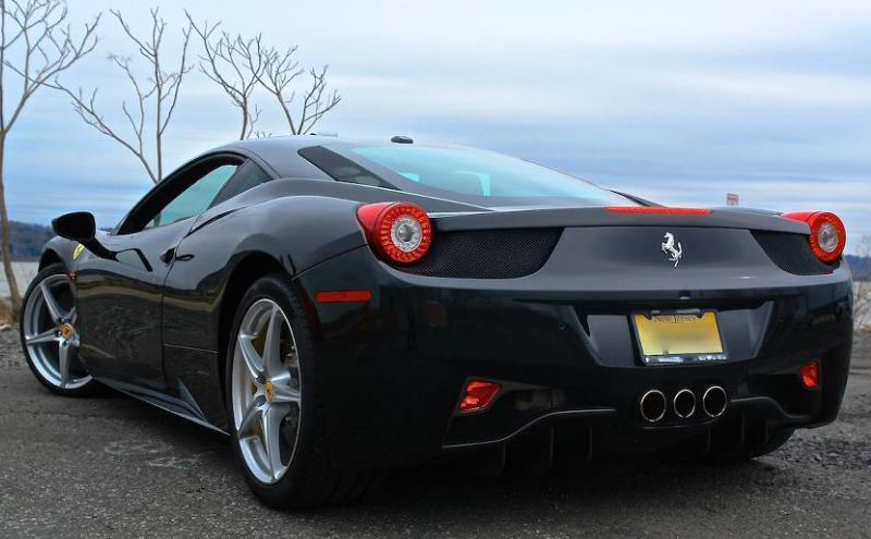 Ferrari 458 Italia Black Carbon Edition - Motor Lovers
