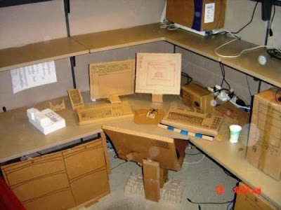 how to have 640 16 Funny Pictures: 30 Great Office Pranks.