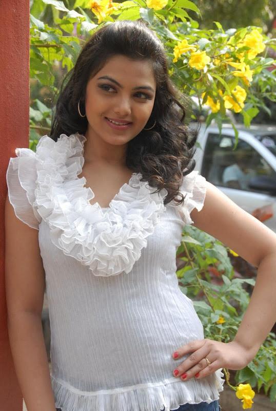 Actress Priyanka Tiwari New Hot Stills Photos Photoshoot images