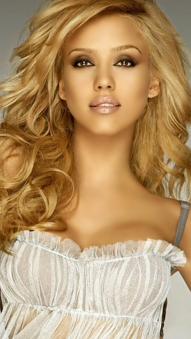 New Jessica Alba iPhone Wallpapers