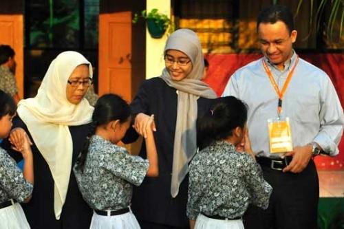 Anies Ajak Guru Berikan Keteladanan Kepada Siswa