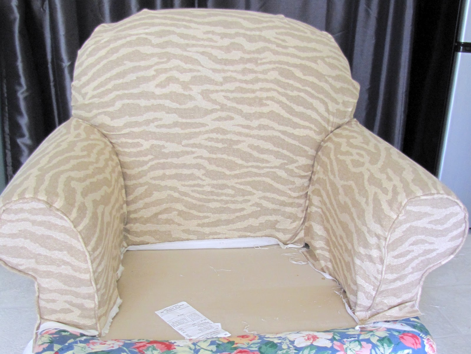 Blog : Armchair And Ottoman Slipcover Tutorial :: Including How To Make A  Pattern