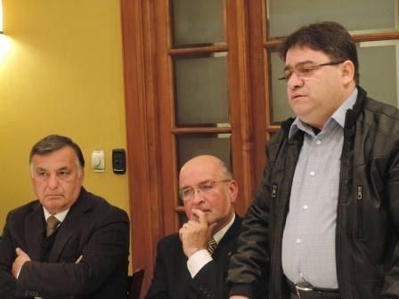 No Chile, prefeito é recebido por membros do Rotary Club de Concón