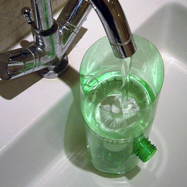 RI-PET: Come costruire una bottiglia-filtro per depurare l'acqua.