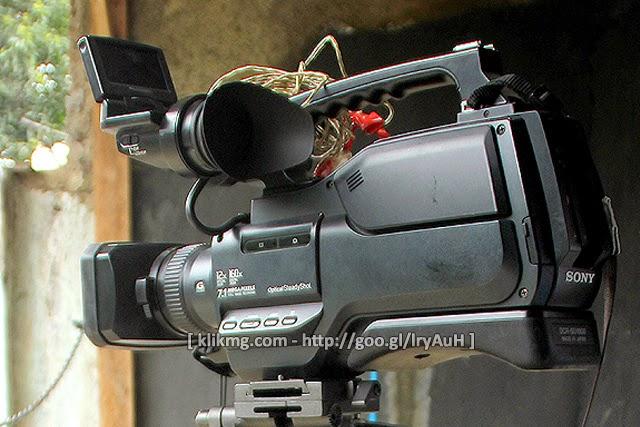 Di Jual : Kamera DVR - Sony DCR-SD1000 berikut TRIPOT (Bekas)
