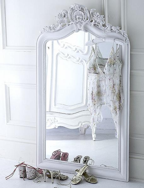 En mi espacio vital muebles recuperados y decoraci n for Espejo grande blanco