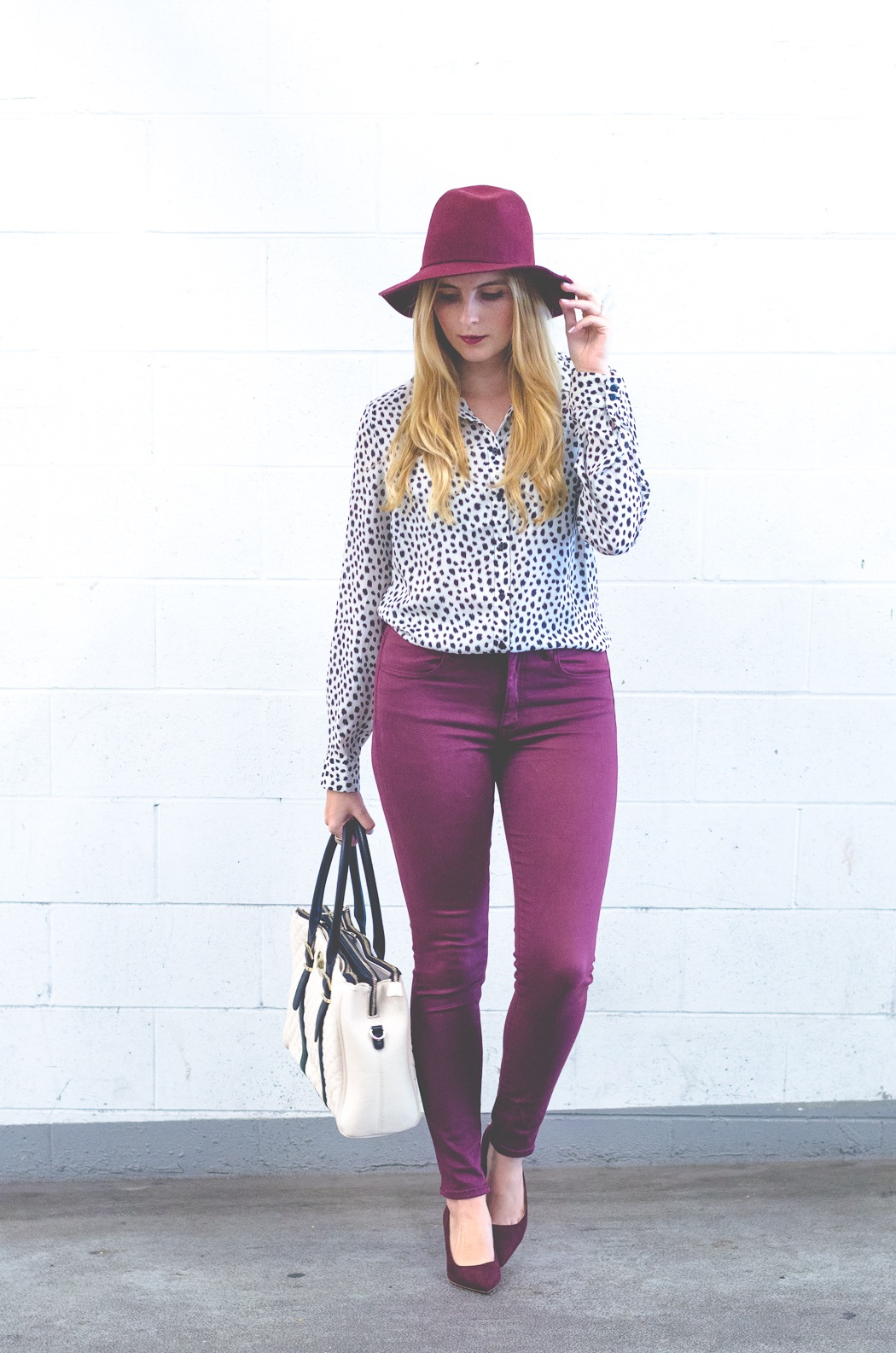 how to wear a burgundy top