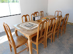 mesa com oito cadeiras