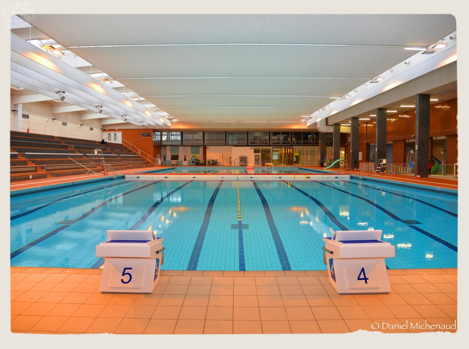 un regard sur tours la piscine gilbert bozon de tours